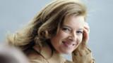 """Valérie Trierweiler : le """"tweet-voeux"""" de la Première dame"""