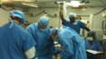 L'équipe médicale de Ron Perez en pleine intervention à l'hôpital d'Haïti (janvier 2010)