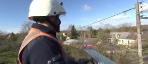 Vents violents : dans les Pays de la Loire, les agents ERDF s'activent pour rétablir le courant