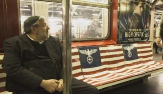 """Aigles et symboles nazis dans le métro : le """"bad buzz"""" signé Amazon"""
