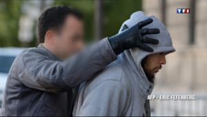 Le 20 heures du 29 mai 2013 : Militaire poignard� le suspect interpell�erait connu des services de renseignement - 592.6080196838379