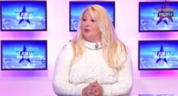 Loana en interview pour la chaîne Non Stop People