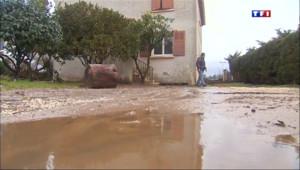 Le 13 heures du 4 février 2014 : Apr�les inondations, le Lavandou �eine nettoy� 611.626