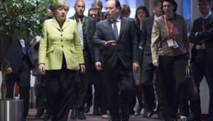 François Hollande et Angela Merkel, à l'ouverture du sommet européen consacré à la Grèce.