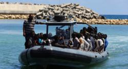 Archives : bateau de clandestins récupérés par les garde-côtes libyens