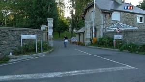 Le 13 heures du 19 août 2013 : Centre de vacances ferm�n Bretagne : les jeunes �ient livr��ux-m�s - 1115.878