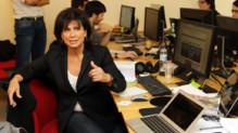 Anne Sinclair à la rédaction du Huffington Post à Paris