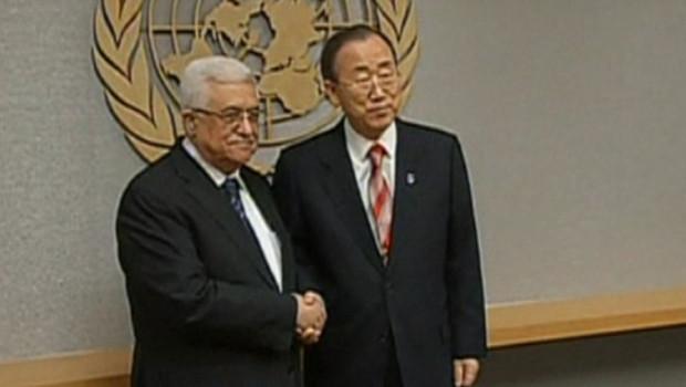 Mahmoud Abbas et Ban Ki-moon, le 28/11/12, à l'Onu