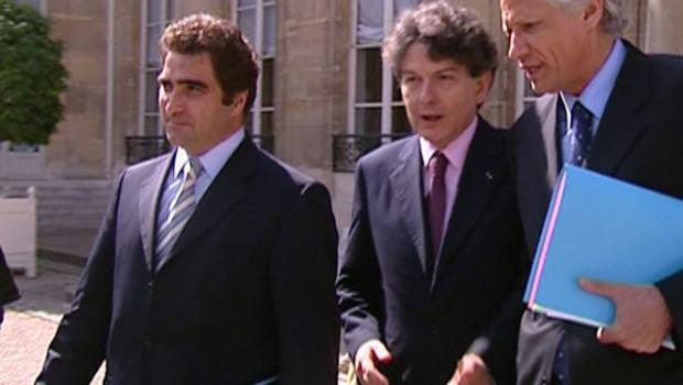 TF1/LCI Dominique de Villepin à la sortie du Conseil des ministres