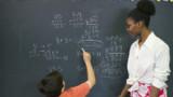 """Vincent Peillon écrit aux enseignants : """"priorité au primaire"""""""