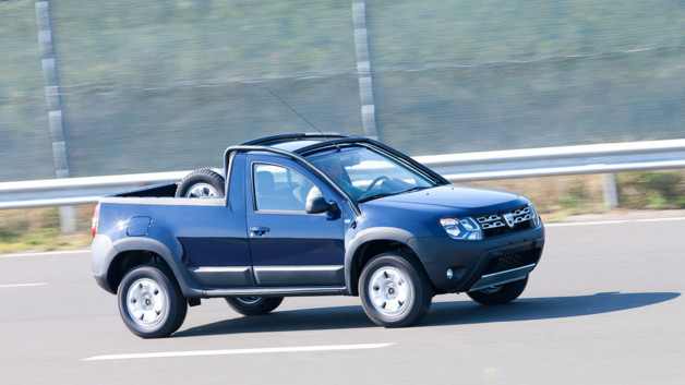 photos automoto le rare dacia duster pick up roumain en photos mytf1. Black Bedroom Furniture Sets. Home Design Ideas