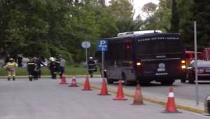 Secours et forces de sécurité déployés à Athènes après un attentat contre un ministère (24 juin 2010)