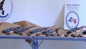 Des fusils d'assaut kalachnikov