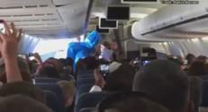 Évacué de l'avion par une équipe sanitaire après avoir fait une blague sur Ebola