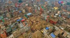 Le 20 heures du 27 avril 2015 : Deux jours après le séisme, Katmandou est en ruines - 110.832
