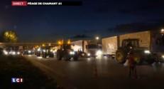 Mouvement des agriculteurs : les tracteurs envahissent le péage de Chamant sur l'A1