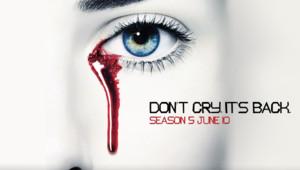 True Blood Saison 5. Série américaine créée par Alan Ball en 2008. Avec : Anna Paquin, Stephen Moyer, Sam Trammell et Ryan Kwanten