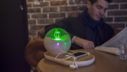 """La """"Bubble"""" qui permet de recharger son smartphone dans les bars et les restaurants gratuitement"""