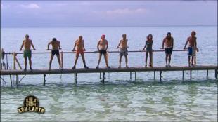 Inédite ! L'épreuve d'immunité individuelle : « Faut savoir regarder l'eau sans succomber à son reflet » - Extrait de Koh-Lanta, Emission 5 du 17 octobre 2014