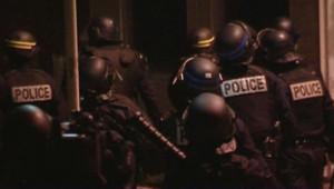 La police quadrillant Villier-sle-Bel, le 29 novembre 2007