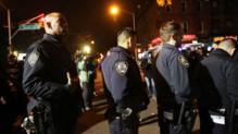 New York : policiers rendant hommage à leurs collègues tués la veille, 21/12/14