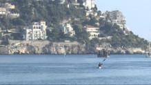 Le 20 heures du 31 octobre 2014 : Il relie la Corse au continent en kayak en 25 heures - 1945.777