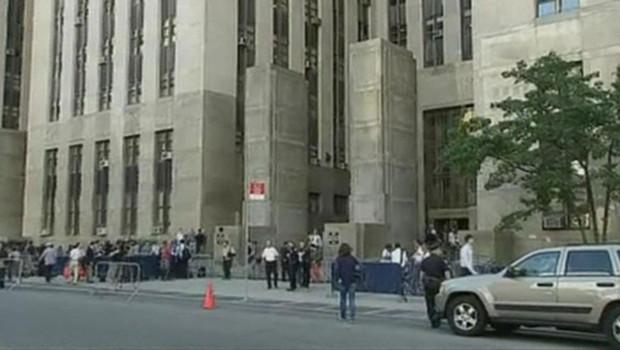 Les journalistes devant le tribunal de New York juste avant l'audience de DSK le 1er juillet 2011