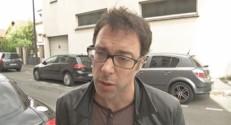 Un enseignant ayant fait valoir son droit de retrait à Ivry-sur-Seine, le 1er juin 2015.