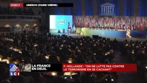 """Hollande : """"On ne lutte pas contre le terrorisme en se mettant entre parenthèses"""""""