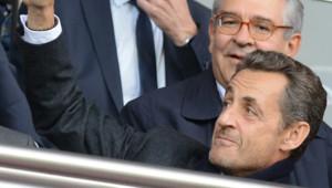 Nicolas Sarkozy à un match de football avec son fils Pierre. Le 29 septembre 2012 pour la rencontre PSG-Sochaux au Parc des Princes.