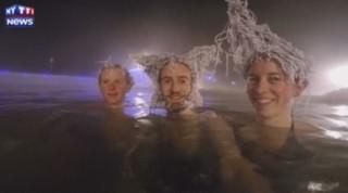 Par -30°C, les cheveux de ces Canadiens gèlent (presque) instantanément