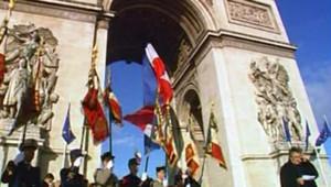 Cérémonie du 11 novembre sous l'Arc de triomphe
