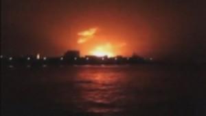Explosion dans la nuit de mardi à mercredi d'un sous-marin sur la base navale indienne de Bombay.
