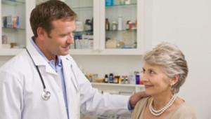 Un médecin et sa patiente