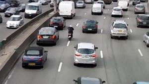 voitures-route-autoroute circulation auto bouchons automobiles sécurité routière