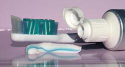Dentifrice brosse à dent haleine dents bouche