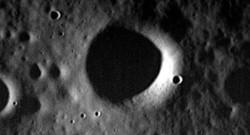 L'une des dernières images captée par Messenger avec son crash sur Mercure