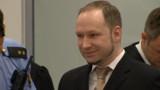 Procès Breivik : une première audience entre provocation et larmes