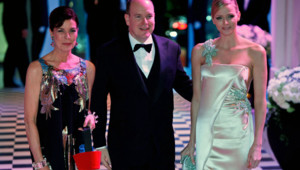 Charlene Wittstock, le Prince Albert II et la princesse Caroline de Hanovre au Bal de la Rose