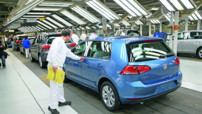 Une Volkswagen Golf produite dans l'usine dee Wolfsburg (Allemagne) le 14 mars 2013