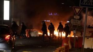 De violents affrontements ont éclaté à Bastia le 17 octobre 2015 - Photo Yann Foreix