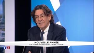 """Les voeux de Luc Ferry à Nicolas Sarkozy : """"Qu'il aille s'occuper de ses affaires privées"""""""