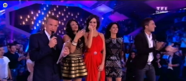 Grand moment d'émotion pour les 4 finalistes qui se retrouvent confrontés à leur public.