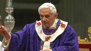 Messe de Benoît XVI célébrant la messe à Saint-Pierre le 13/02/2013