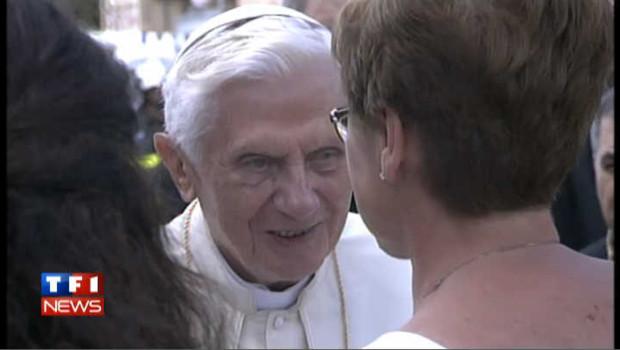 VIDEO- Le pape réconforte les sinistrés du séisme en Emilie-Romagne