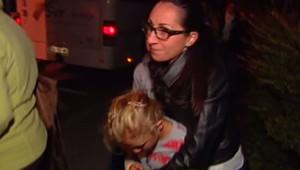 Une mère retrouve sa fille de retour du centre de vacances Saint-Bernard d'Ascou en Ariège, après la mort d'un enfant.
