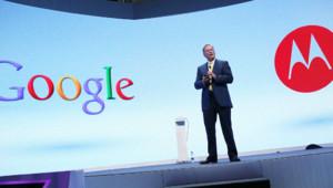 Eric Schmidt, président de Google, présente les nouveaux smartphones Motorola en septembre 2012