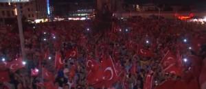 Tentative de coup d'Etat en Turquie : le gouvernement veut rétablir la peine de mort