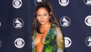 Jennifer Lopez aux Grammy Awards en février 2000
