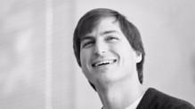 Disparu le 5 octobre 2011, Steve Jobs, le créateur d'Apple, est toujours bien présent au sein de son entreprise